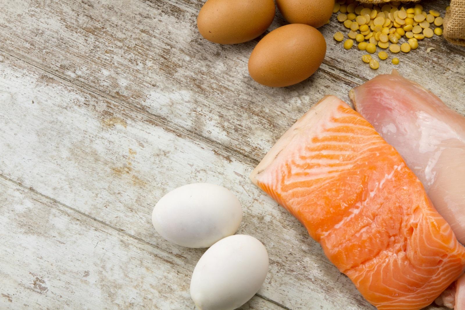Сред храните срещу пролетна умора задължително трябва да присъстват риба, яйца, черен дроб, пилешко месо.
