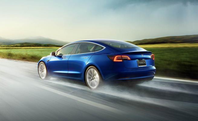 Model 3 натри носовете на всички и в Европа