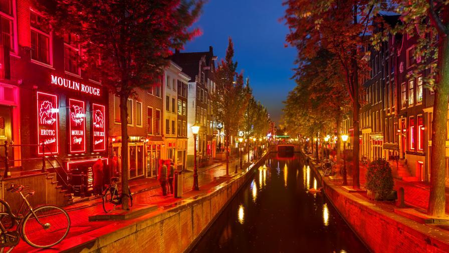<p><strong>Спират организираните турове</strong> в емблематичен квартал <strong>в Амстердам&nbsp;</strong>&nbsp;</p>