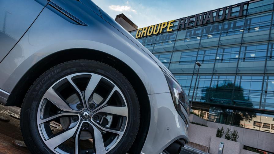<p>Renault тръгва към сливане с Nissan и Fiat Chrysler</p>