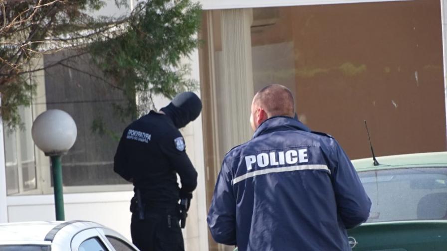 Спипаха полицай, разпространявал цигари без бандерол