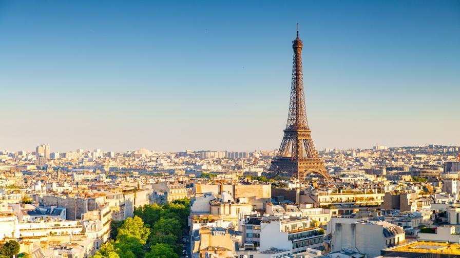 <p><strong>&quot;Желязната лейди&quot;</strong> на Париж стана на 130 години</p>