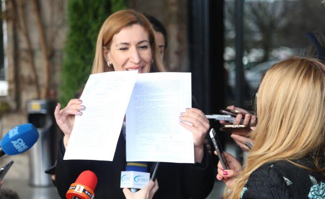 Валери Симеонов с нов сигнал за Ангелкова. Тя: Мога да докажа всеки лев