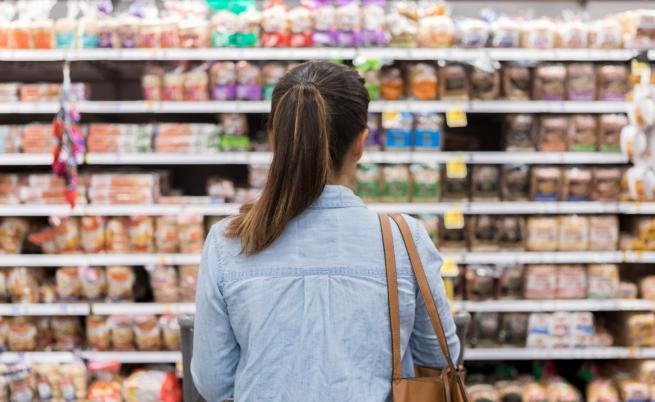 Откриха близо 60 тона хранителни стоки с неясен произход или с изтекъл срок на годност