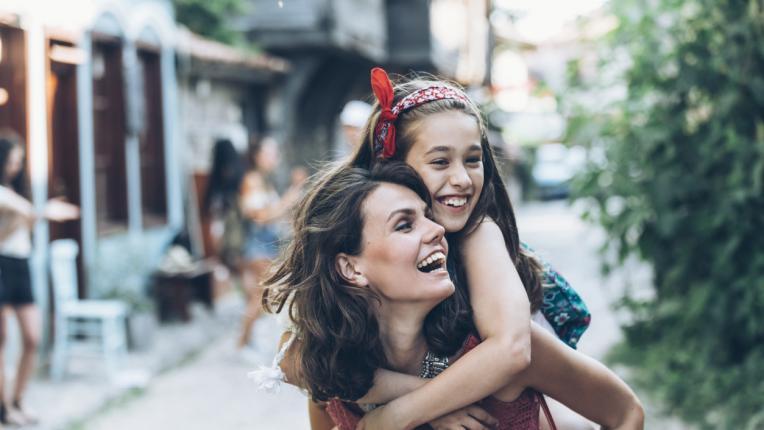 10 урока за живота, които научаваш, когато си отгледана от силна майка