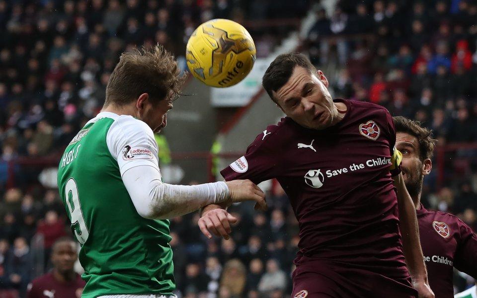 Изпадналият от шотландския елит Хартс освободи общо 12 футболисти, съобщи