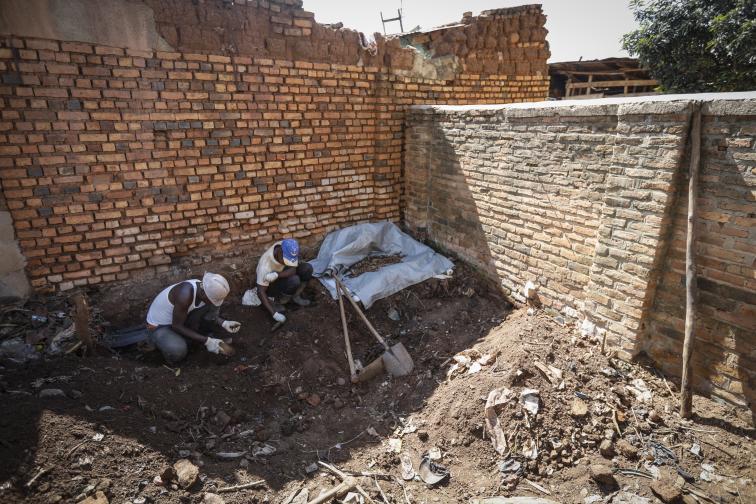 руанда геноцид гробове жертви