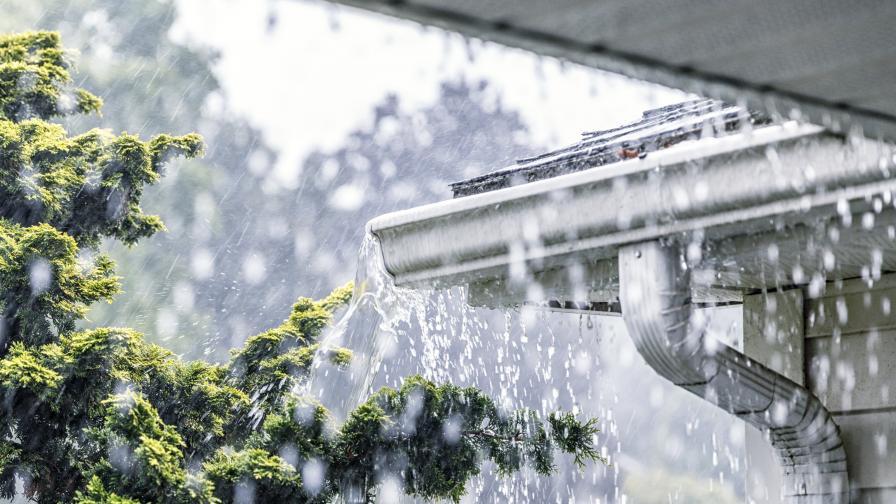Интензивни валежи и гръмотевични бури в 7 области
