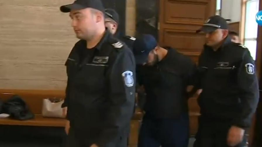 <p>Синът на Гълъбин Боевски остава в ареста</p>
