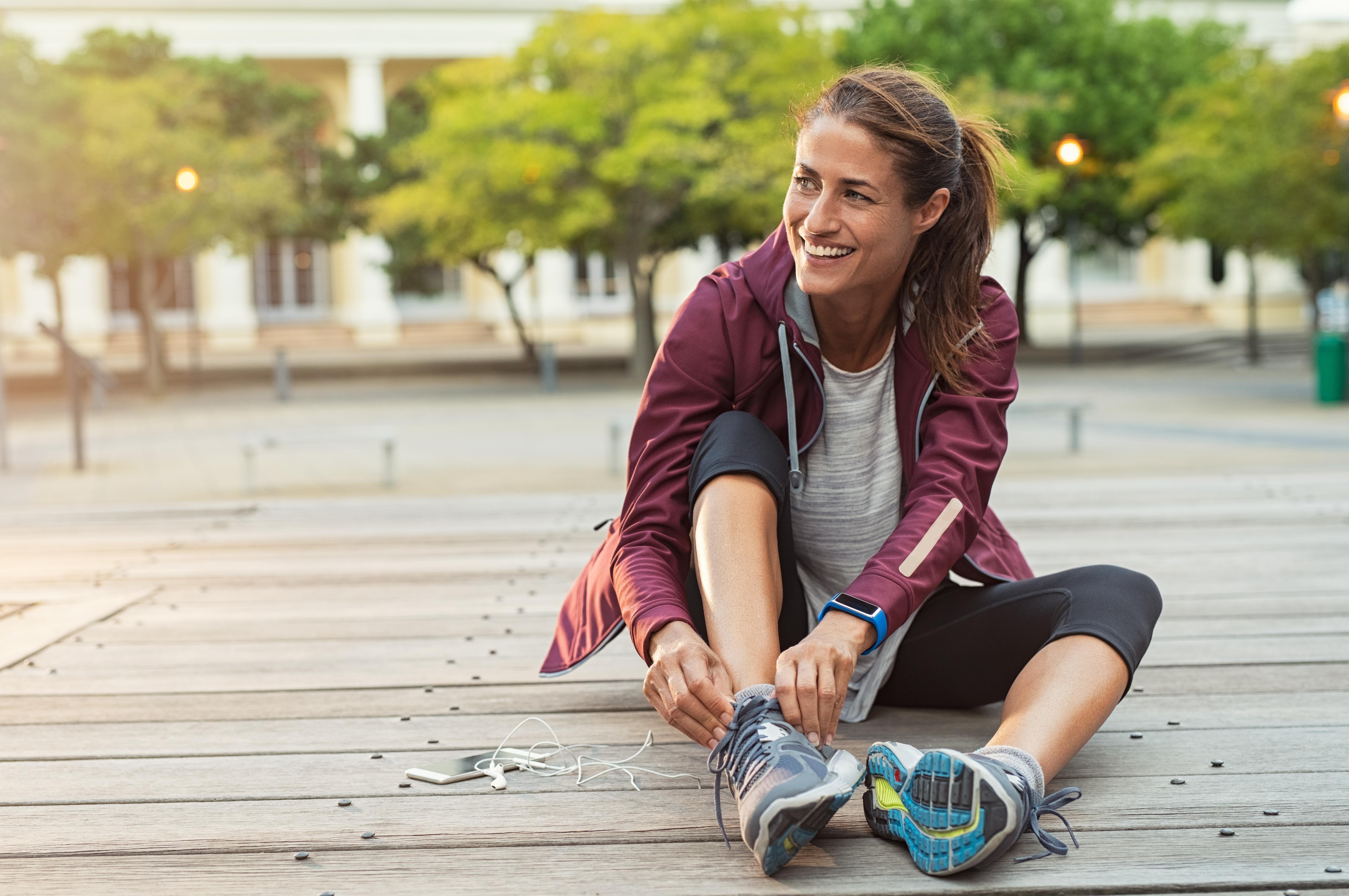 Макар чистенето да е физическа активност, спортуването е далеч по-ефективно за вашата физика. Дори само да се разходите в природата ще е в пъти по-добре, вместо да чистите цял ден.
