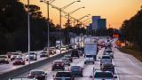 <p>Спират камионите над 12 т по магистралите</p>