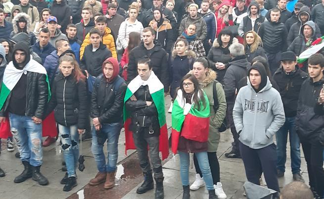 Евростат: България под 7 млн., ЕС се увеличава