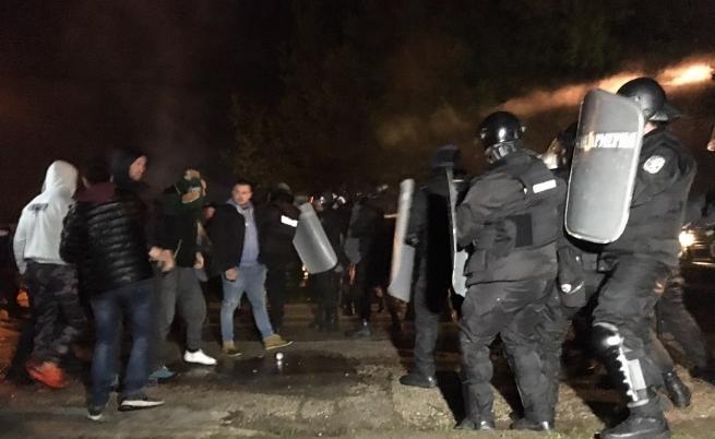 Сблъсъци между протестиращите и жандармерията в Габрово