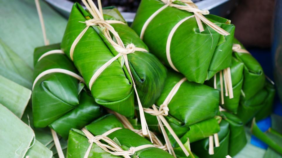 Тайланд и Виетнам опаковат храните в бананови листа вместо с найлон и пластмаса (и това е толкова прекрасно за нас и за природата!)