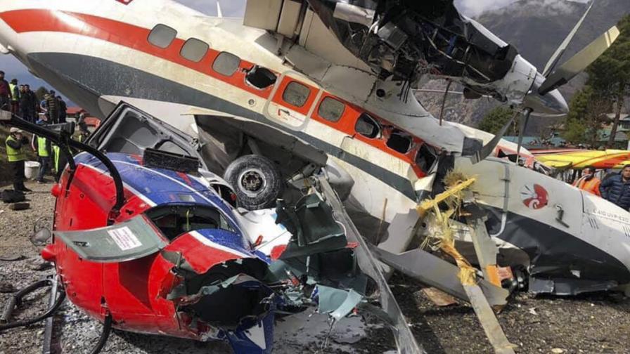 Тежка авиокатастрофа в Непал, има загинали