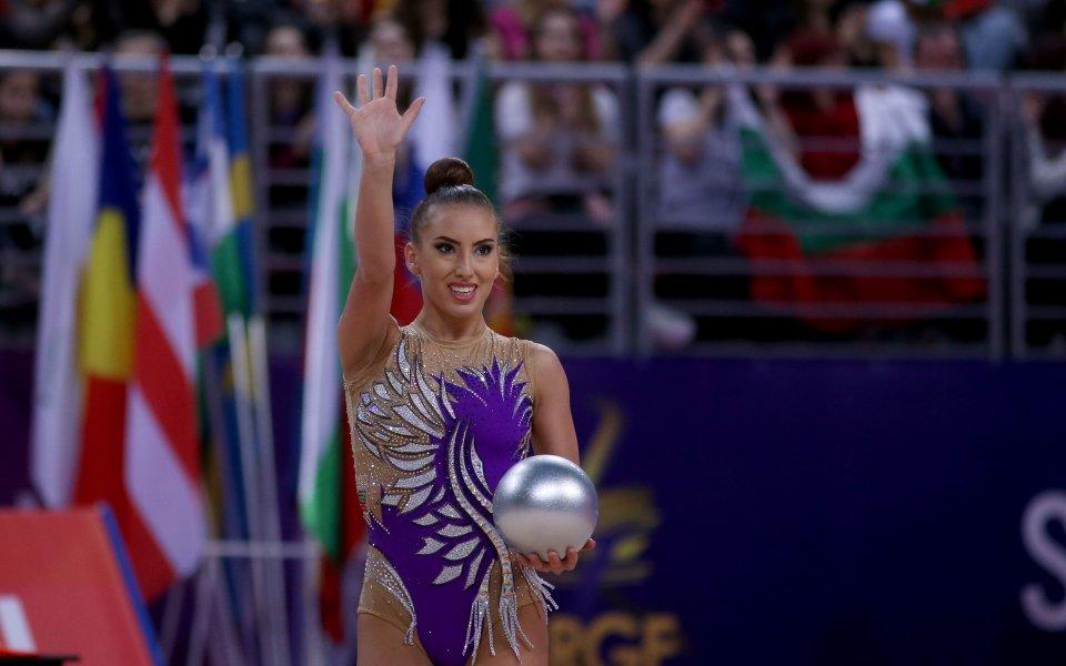 България на трето място във временното класиране след изиграването на топка и обръч