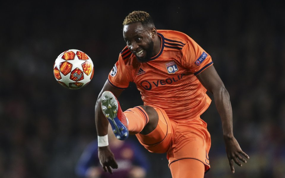 Нападателят на Лион Муса Дембеле не планира смяна на клуба