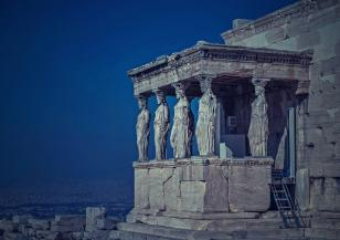 Серия от трусове в Гърция