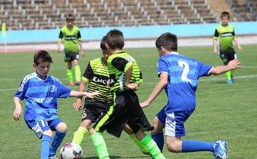 Осем отбора спорят във футболния турнир за Купата на АБФ в Ямбол