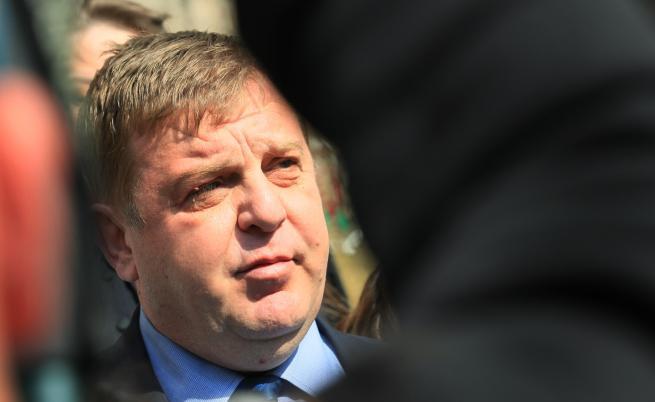 КПКОНПИ проверява Каракачанов за недекларирани имоти