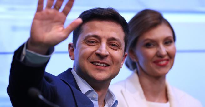 Свят Шоуменът Зеленски е новият президент на Украйна Комикът е