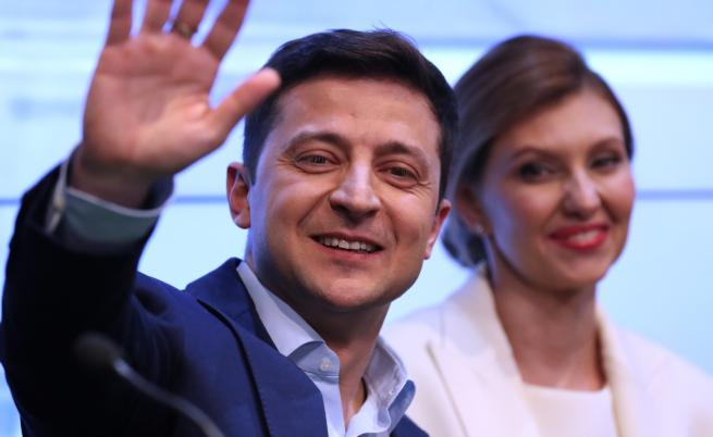 Шоуменът Зеленски е новият президент на Украйна