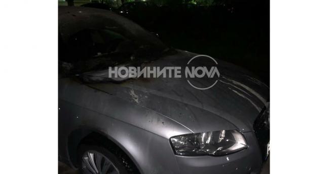 Снимка: Запалиха автомобила на кмета на Козлодуй