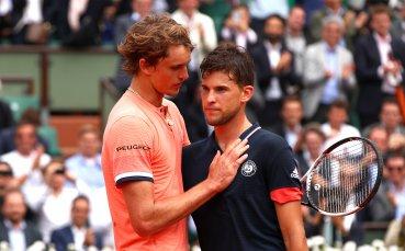 Тенис звездите Зверев и Тийм посетиха играчите на Барселона