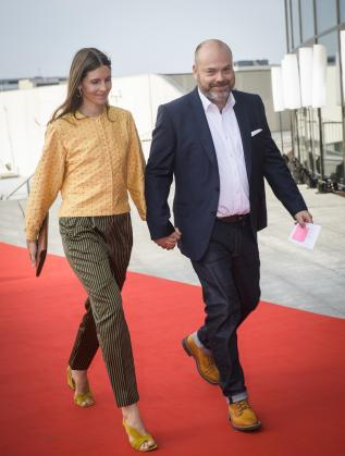 Андерс Холш Поулсен и съпругата му