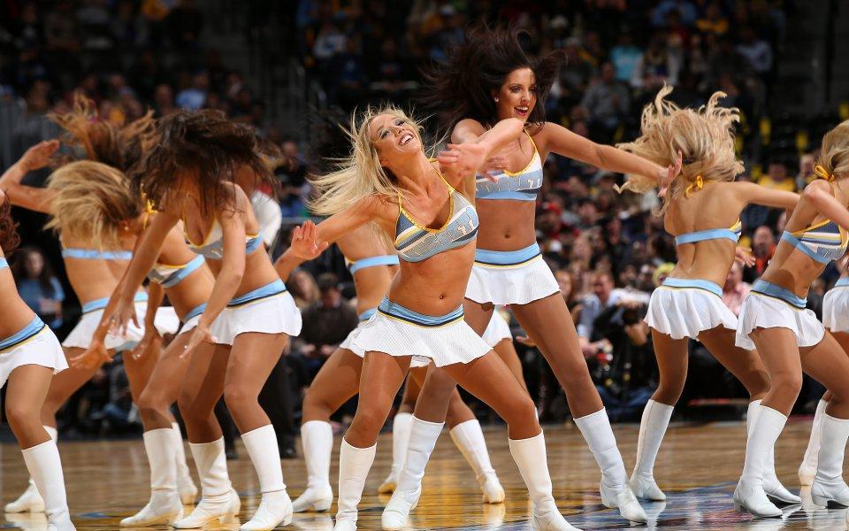 Какво се случи тази нощ в мачовете в НБА?