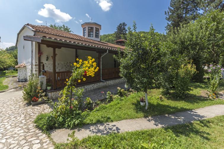 българия манастир