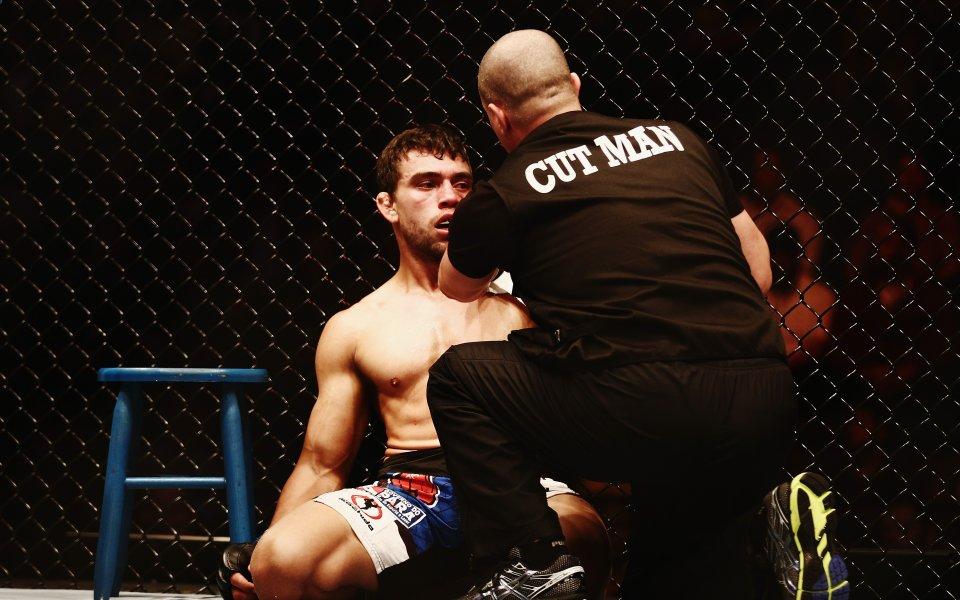 Шофьор на такси уби бивш UFC боец