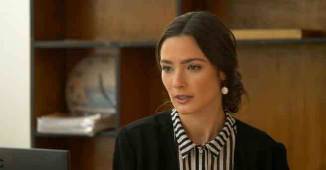 Любопитно Лорина Камбурова: С ролята на учителката Ана сбъднах една