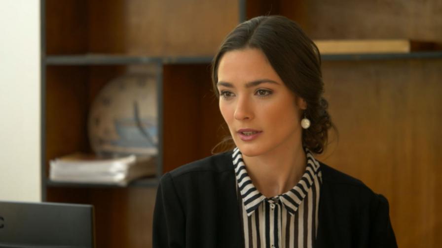 Лорина Камбурова