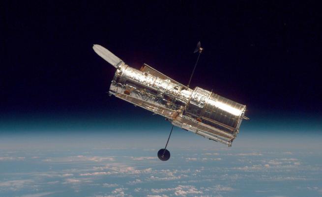 НАСА успя да поправи телескопа