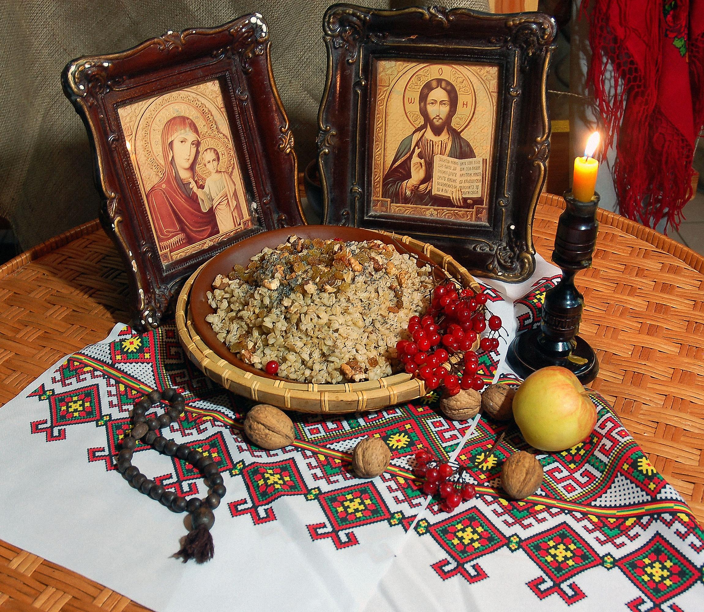 За православните християни постът е подготовка за големите християнски празници, което означава, че стриктните вярващи постят през голяма част от годината. Всяка сряда - в знак на страданията на Исус Христос и петък - деня на неговата смърт, в навечерието на големите празници, преди Коледа, преди Великден, преди Петровден, преди Голяма Богородица и други. Според Православната църква постът предполага и неучастие в увеселителни и зрелищни мероприятия като барове, дискотеки, шумни празненства или гледане на телевизия.