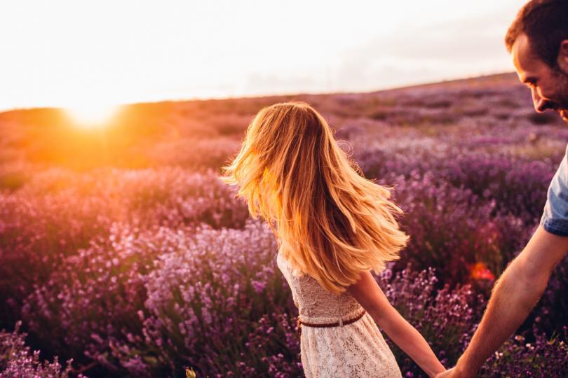 <p><strong>Водолей </strong>- ще се радвате на пълна хармония в любовта. Онези, които са обвързани, ще осъзнаят, че са готови за следващата по-сериозна крачка, а необвързаните ще открият човек, който си струва.</p>