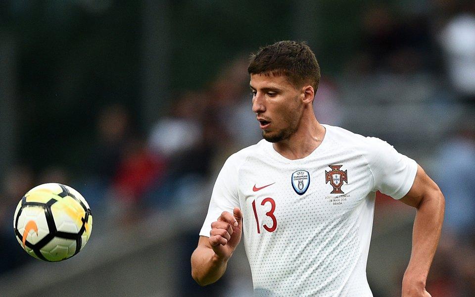 Манчестър Юнайтед е загубил окончателно битката за подписа на португалския