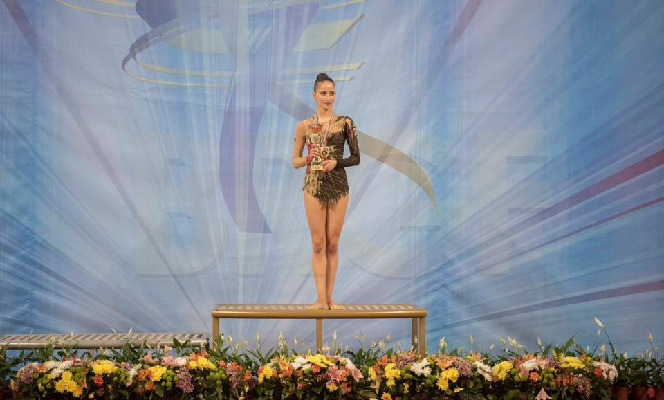 Невяна започва да се занимава по-сериозно с художествена гимнастика от 11-годишна възраст, когато се мести от Плевен в София, за да тренира.