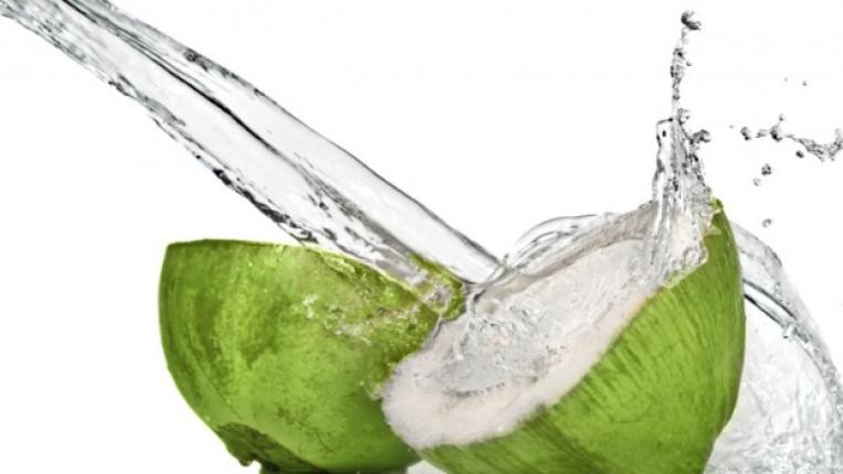 кокосова вода дехидратация консумация на алкохол тропически плод имунитет перисталтика