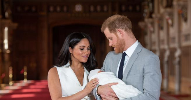 Целият свят е в захлас от новото кралско бебе и