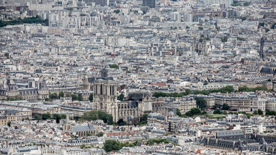 """<p>Токсичен район в Париж след пожара в """"Нотр дам""""</p>"""