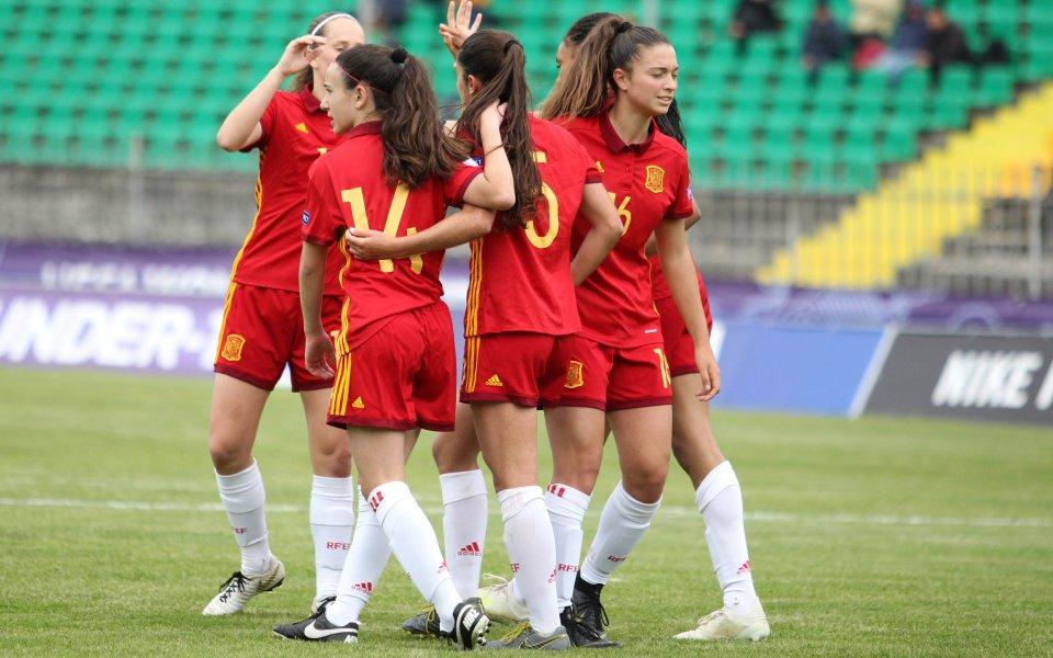 България с трето поражение, Испания влезе убедително в полуфиналите