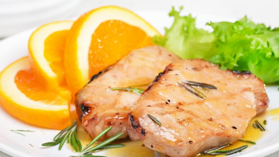 Хрупкаво свинско с портокалов сос