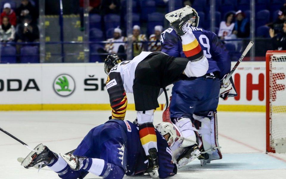 Германия продължава без грешка на Световното по хокей на лед