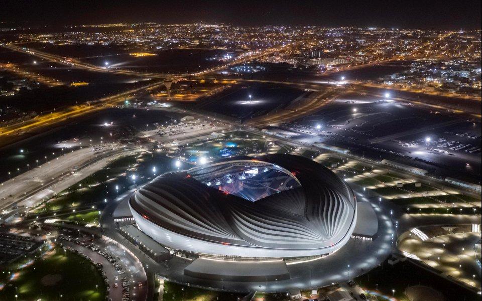 Катар откри официално първият от седемте стадиона за световното първенство