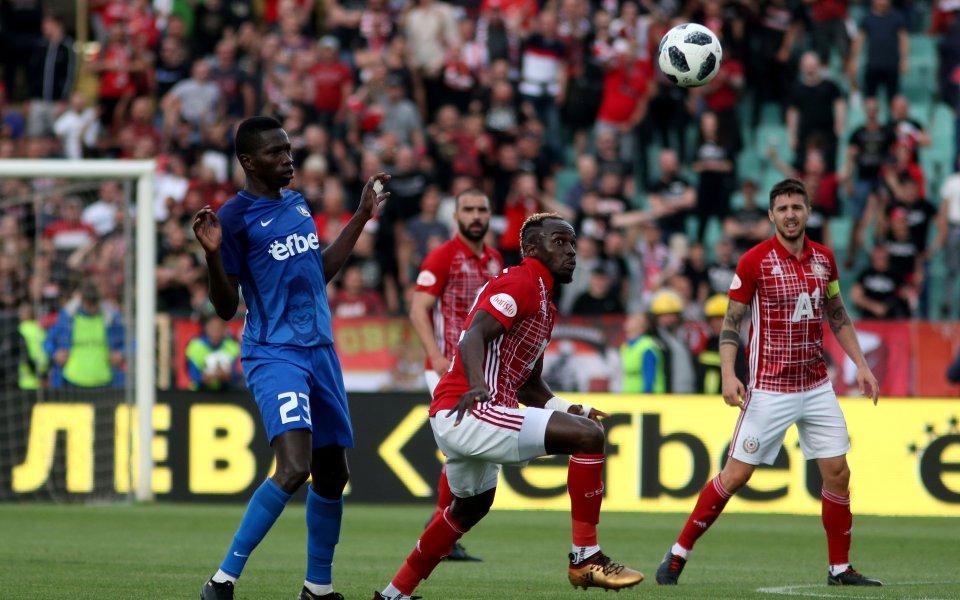 ЦСКА спечели с 2:0 сблъсъка срещу Левски от 35-ия кръг