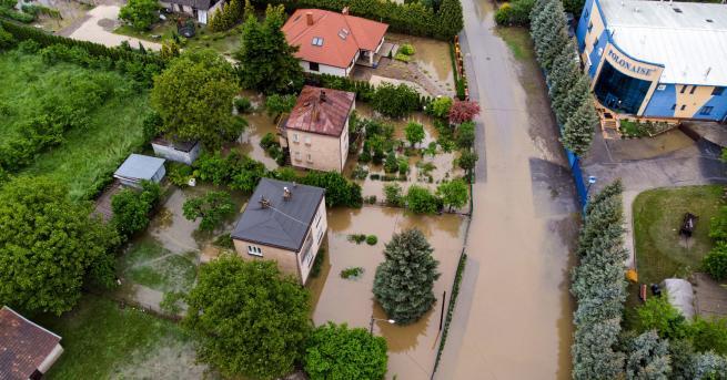Свят Наводнения в Полша, залети села, евакуирани Страната включва и