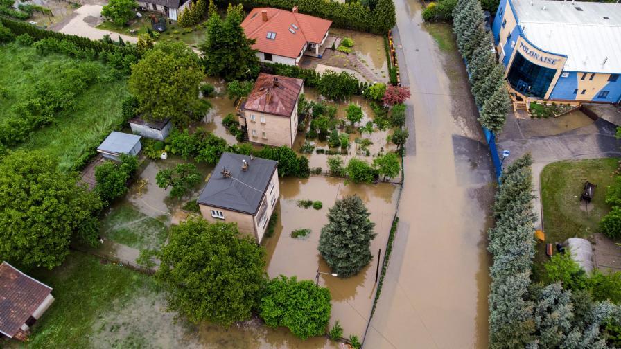 Наводнения в Полша, залети села, евакуирани
