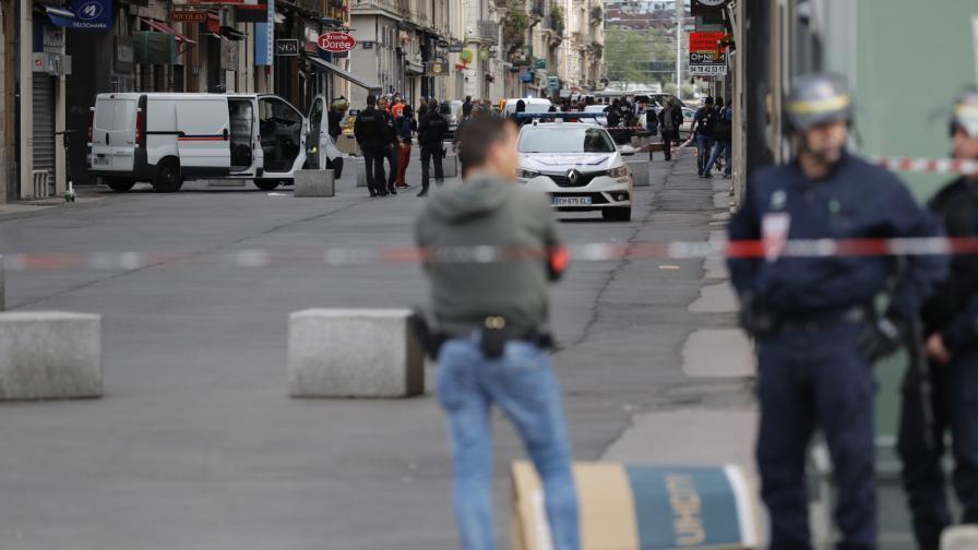 Българка на метри от атентата в Лион, все още е в шок